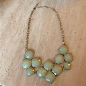 Jewelry - Light green statement necklace